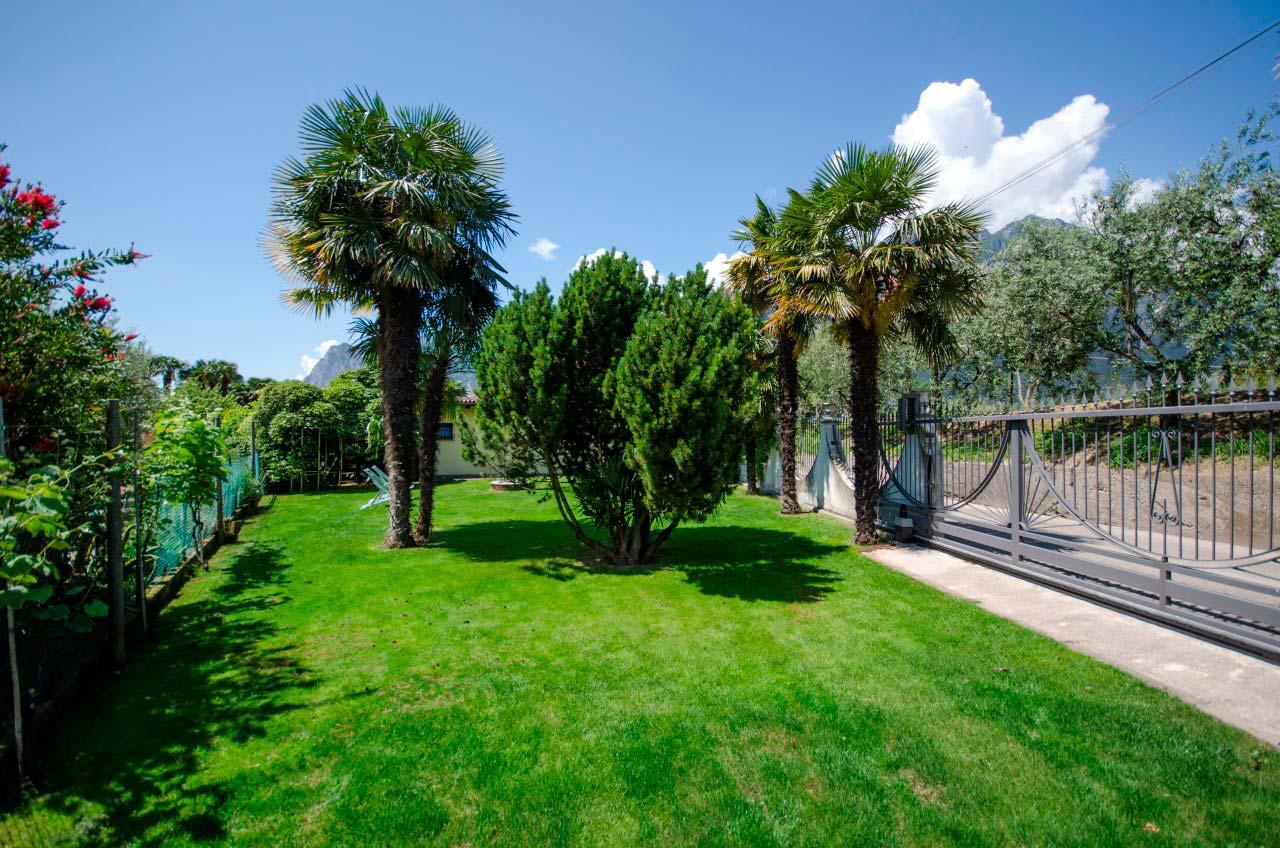 Appartamento 2 giardino privato interno 02 bungalow park - Giardino interno appartamento ...